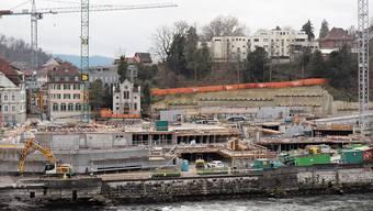 Blick auf die Baustelle im Badener Bäderquartier: Die Bauten wachsen in die Höhe.