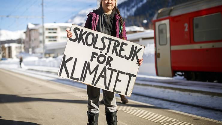 Greta Thunberg trägt ihre Botschaft ans Weltwirtschaftsforum in Davos. Die 16-jährige Schwedin will mit ihrem Schulstreik darauf aufmerksam machen, wie drängend die Probleme der Umwelt sind.