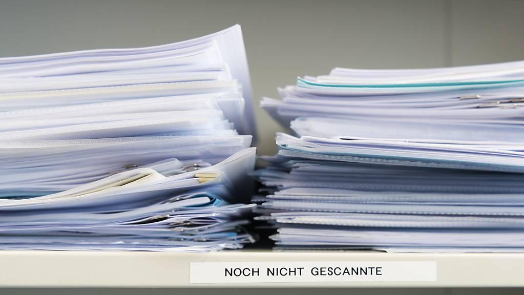 Die liberale Denkfabrik Avenir Suisse will mit einer neuen Rechtsform «Digitale Mini-GmbH» die Digitalisierung der Schnittstellen zwischen Behörden und Unternehmen beschleunigen. Die Schriftwechsel sollten papierlos erfolgen. (Symbolbild)