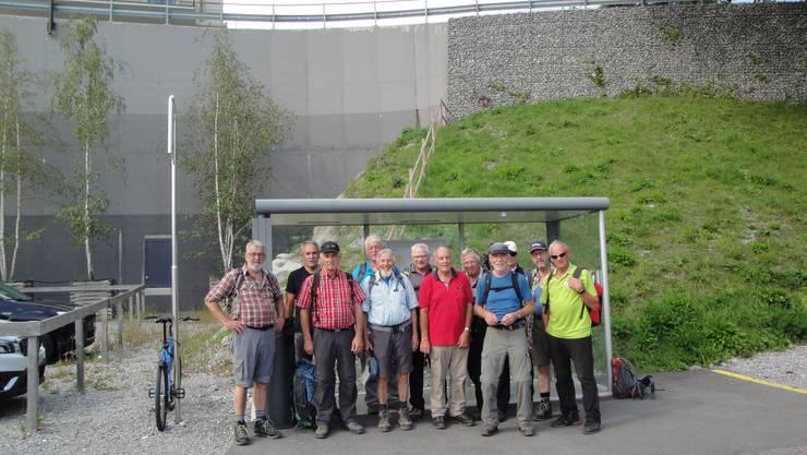Die Wandergruppe bereit zur Heimreise auf dem Bürgenstock.
