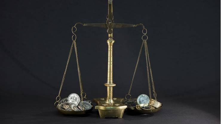 Parität von Franken und Euro: Davor fürchtet sich die Wirtschaft. Symbolbild