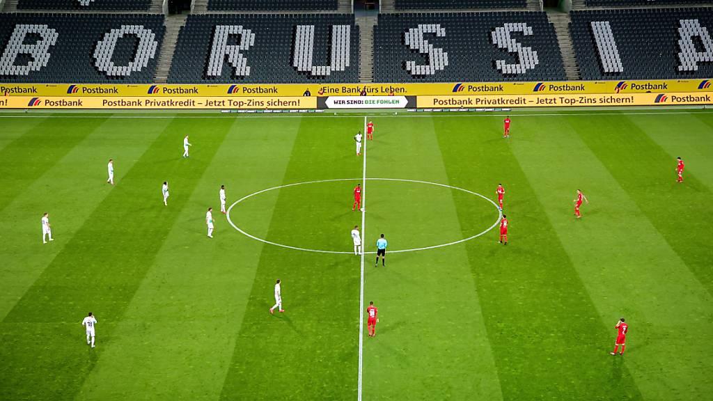 Vorerst gibt es keine Spiele in der Bundesliga. Danach dürften die Partien ohne Zuschauer über die Bühne gehen