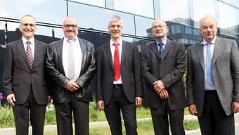 Bild fürs Geschichtsbuch? Vor dem nahen Verkauf der Avag nimmt der Verwaltungsrat nochmals Form an (v. l.): Fredy Dubach, Kurt Henzmann, Martin Eschle (Präsident), Dieter Leu und Christian Wanner.