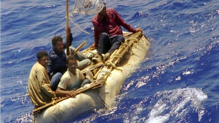 Kubanische Bootsflüchtlinge im Meer vor Florida: Sie können künftig nicht mehr mit Asyl in den USA rechnen. (Archivbild)