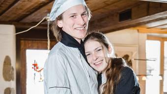 """Das neue, junge Wirtspaar Tim Munz und Melina Rychener im """"Wirtshaus zur Heimat"""" in Ehrendingen."""
