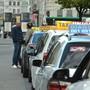 Der 18-Jährige suchte den Taxistand beim Claraplatz und wurde von seinen vermeintlichen Helfern ausgeraubt. (Symbolbild)