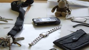 Fundsachen: Schlüssel und Handys gehören zu den meistgefundenen Gegenständen, die bei den Fundbüros abgegeben werden. (Manuela Schaer)