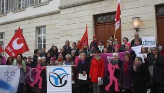 Vor einer Woche übergaben mehrere Gruppierungen Ratspräsident Benjamin Giezendanner 1200 Unterschriften für den Erhalt der Fachstelle Gleichstellung.