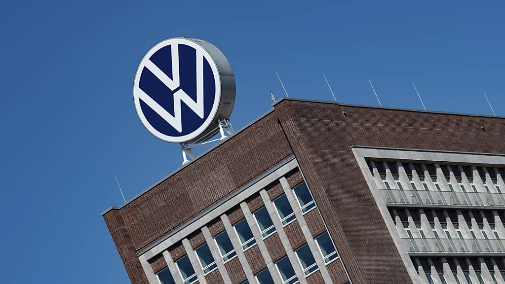 VW kündigt einem Autohändler in Mexiko wegen Nazi-Fotos (Symbolbild)