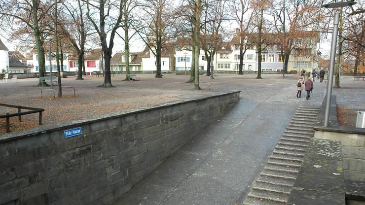 Der Lindenhof war die erste Grünanlage innerhalb der mittelalterlichen Stadtmauern Zürichs.