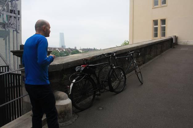 Fahrverbot – ausgerechnet hier, bei der alten Universität am Rheinsprung ...
