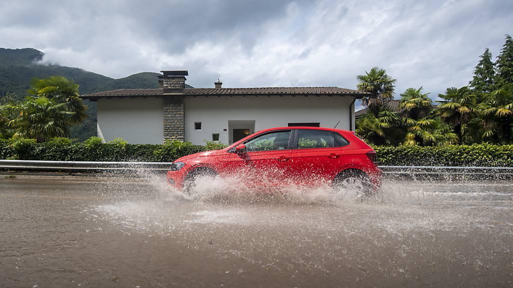 Überschwemmungen nach heftigen Gewittern im Tessin