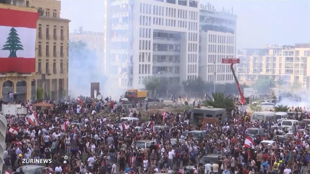 Explosion in Beirut: Opferzahlen und Wut gegen die Regierung wachsen an