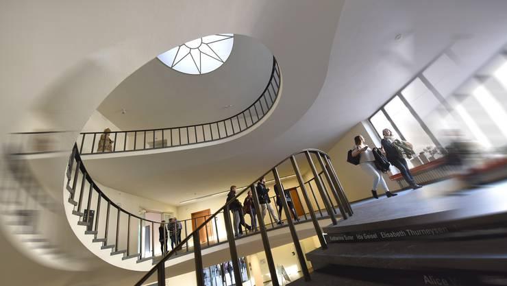 Die Uni Basel muss nicht offenlegen, wie viel die Bibliotheken an die drei grössten Wissenschaftsverlage zahlen.