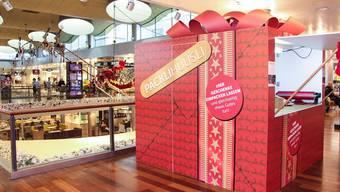Zwei «Päcklihüüsli» stehen im Shoppi Tivoli jeweils zur Weihnachtszeit. zvg