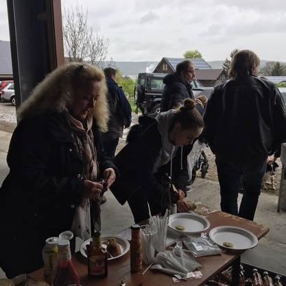 Gäste erhalten das Essen :-)