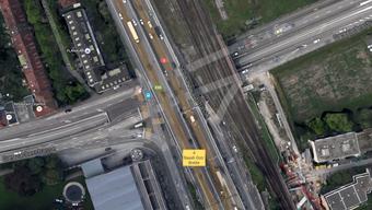 Der Unfall ereignete sich bei der Verzweigung Grenzacherstrasse/Schwarzwaldstrasse in Basel.