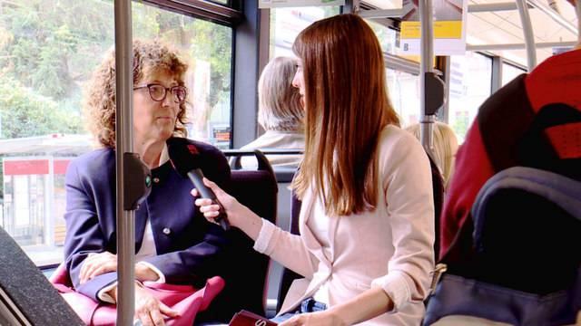 Fokus aus dem überfüllten Ostermundiger Bus von Bernmobil