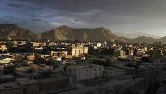 Gigantische Rohstoffschätze lagern in Afghanistan. Allem voran Lithium, ein Leichtmetall, da vor allem in der Computerbranche gesucht ist.