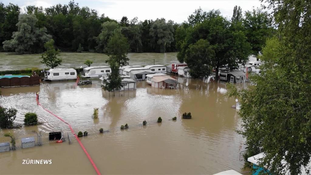 Komplett überschwemmt: Campingferien in Ottenbach (ZH) fallen ins Wasser