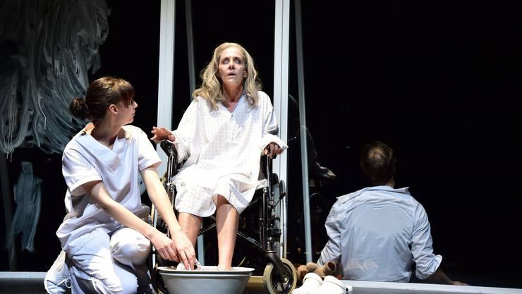 Das Theater Basel spielt in dieser Saison Dürrenmatts «Das Versprechen». Auch im Stück kann es nicht eingehalten werden.