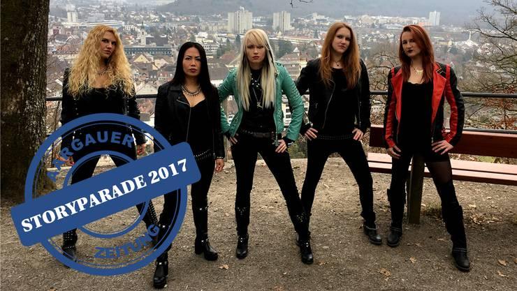 Burning Witches auf dem Hexenplatz ob Brugg (von links): Romana (Guitars), Lala (Drums), Seraina (Vocals), Alea (Guitars) und Jay (Bass).