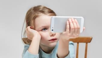 Je älter ein Kind ist, desto mehr nutzt es das Internet. Die Nutzerzahlen sind allerdings stabil.