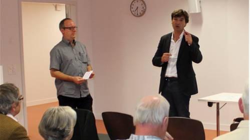 GT-Redaktor Oliver Menge (links) befragt François Scheidegger.