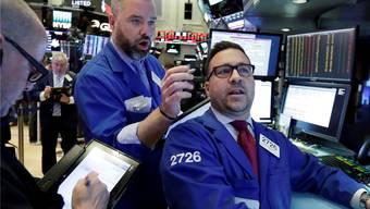 Unter den Händlern an der US-Börse kam am Montag Hektik auf. Am Dienstag entspannte sich die Lage wieder.
