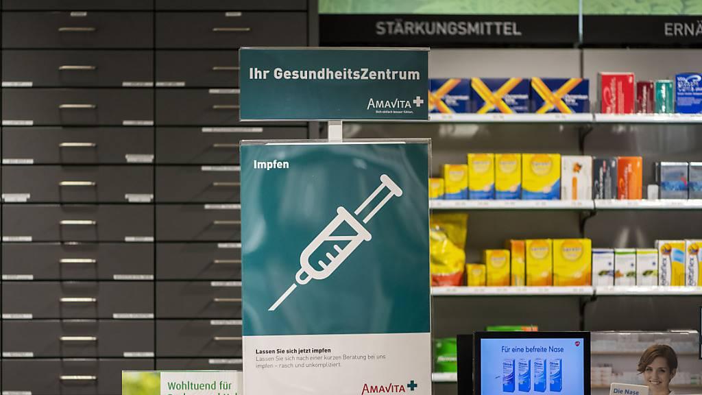 Der Kanton Zug baut spontanes Impfen in Apotheken am Freitagnachmittag aus. (Archivbild)