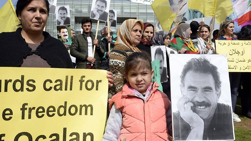 Auch im Libanon demonstrierten Sympathisanten der kurdischen Arbeiterpartei PKK für ihren seit 20 Jahren inhaftierten Führer Abdullah Öcalan.