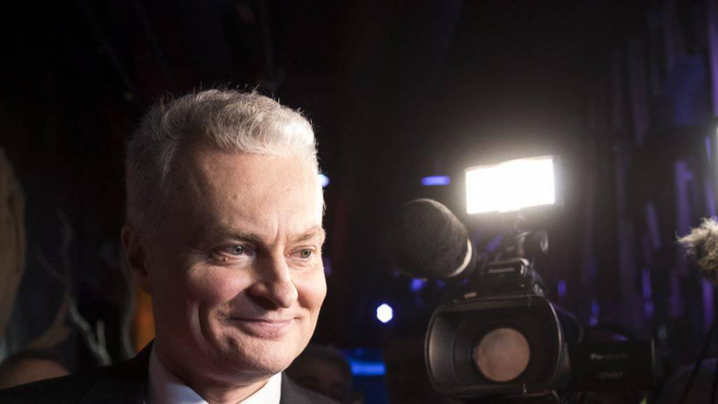 Der 55-jährige Ökonom Gitanas Nauseda hat die Stichwahl um das Präsidentenamt in Litauen gewonnen.