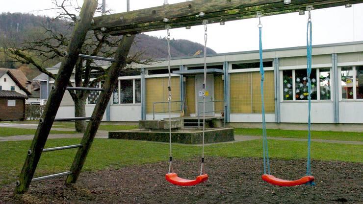 Das 48 Jahre alte Kindergartenprovisorium beim Gemeindehaus wird erst abgebrochen, wenn der Neubau steht.