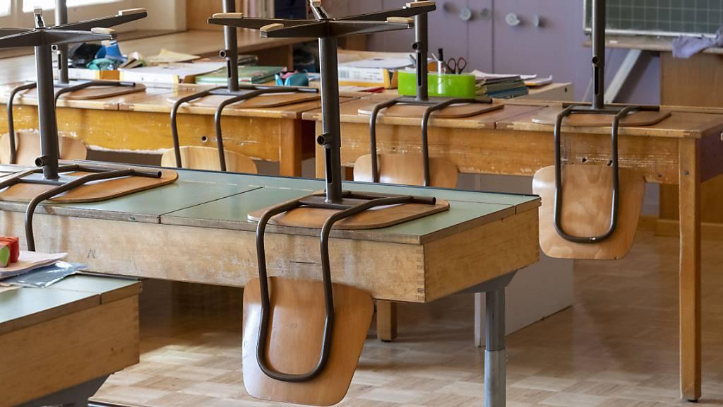 Die Neuberechnung der Pro-Kopf-Beiträge für die Luzerner Volksschule soll erst im Januar 2024 in Kraft treten. (Symbolbild)