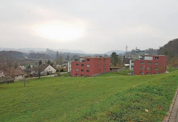 Diese Mehrfamilienhäuser mit drei Voll- und einem Attikageschoss sind als Arealüberbauung entstanden. Das soll mit der neuen BNO nicht mehr möglich sein.