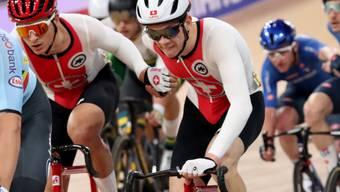 Théry Schir und Robin Froidevaux in Aktion während des Madison-Rennens an der WM in Berlin