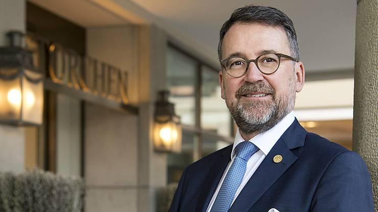 Der Urner leitet seit 2006 das Hotel Storchen in Zürich. Seit 2015 ist er in der Verbandsleitung von Hotellerie Suisse und Schweiz-Tourismus-Vorstandsmitglied.