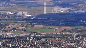 Der Euro-Airport ist bestrebt, die Zahl der Südanflüge zu reduzieren – gerade nach 23 Uhr.