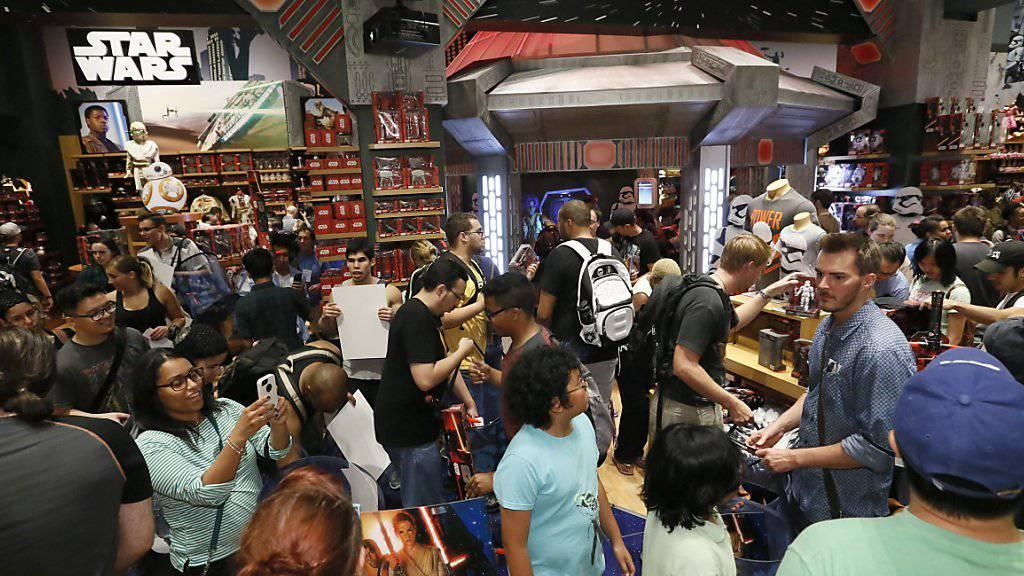 """Disney macht Kasse: """"Force Friday"""" nennen die Vermarkter den Eröffnungstag des neuen Geschäfts."""