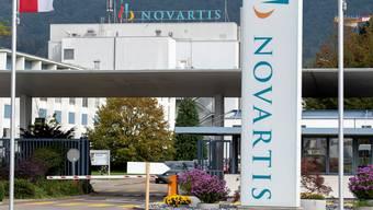 Die Novartis hat einen Stellenabbau angekündigt. Allein im Werk Stein verlieren bis ins Jahr 2022 700 Angestellte ihren Job.
