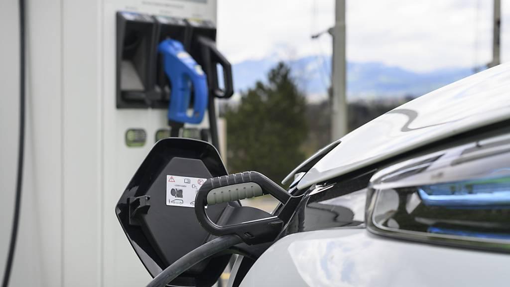 Corona-Krise lässt Schweizer Neuwagenmarkt 2020 einbrechen