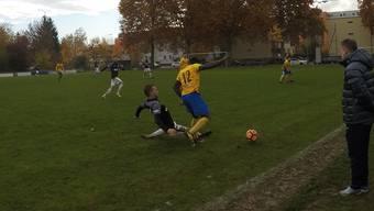 Im November erreichten die Herren des FC Schlieren gegen den Tabellenführer Lachen/Altendorf ein 1:1-Unentschieden. Mitte Juni spielen die Schlieremer nochmals gegen den Tabellenführer. Ob bis dann der Ligaerhalt gesichert ist?