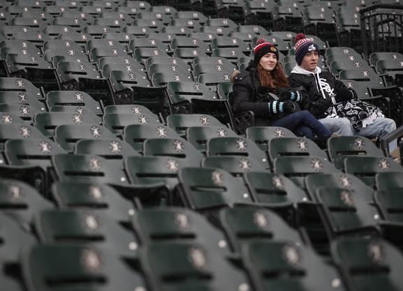 Viele leere Sitze, wenig Fans.