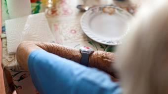 Dank Spitex sollen Pflegebedürftige möglichst lange daheim gepflegt werden können.