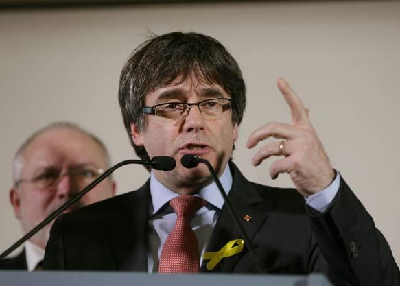 Neben Gabriel haben sich auch Ex-Regionalpräsident Carles Puigdemont und vier Ex-Minister der Regionalregierung ins Ausland abgesetzt.