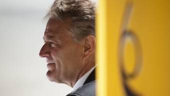 Während 10 Jahren hat die Postauto AG 200 Millionen Franken zu viel Subventionen eingenommen. Nun sind der Ex-Chef und sein Finanzchef im Visier der Bundespolizei.