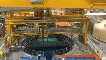 Ende März wurden die Brennelemente aus dem Reaktor ins Lagerbecken transferiert.