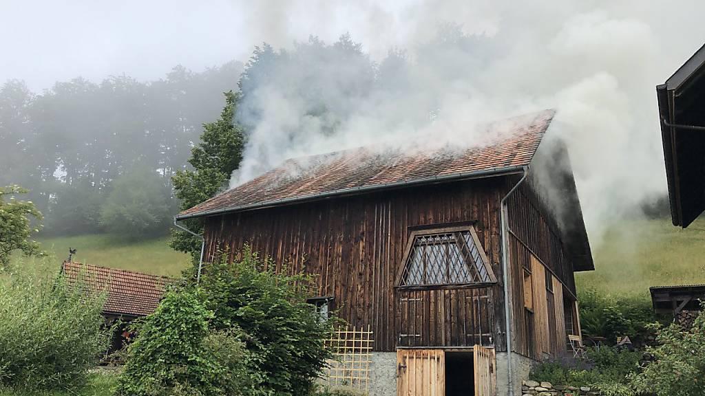 Wegen Fahrlässigkeit: Scheune gerät in Brand