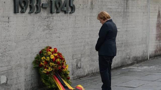 Bundeskanzlerin Angela Merkel legte einen Kranz nieder