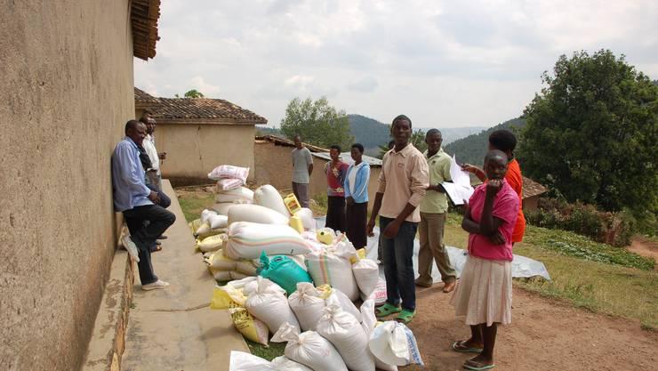 Lebensmittelhilfe für die Waisenfamilien